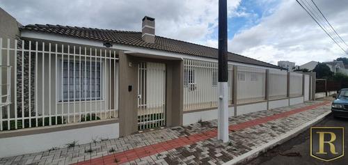 Imagem 1 de 9 de Casa Para Venda Em Guarapuava, Batel, 3 Dormitórios, 1 Suíte, 2 Banheiros, 2 Vagas - Cs-0088_2-1130368