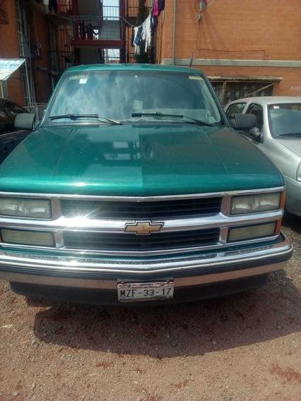 Chevrolet Suburban Sle