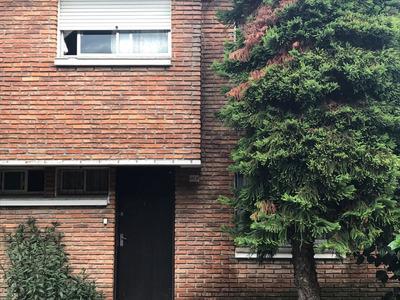 Apartamento 4 Dormitorios, 2 Baños.