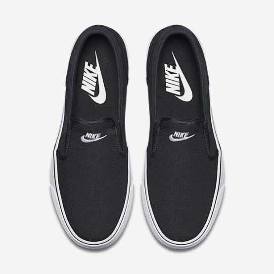 Tênis Nike Black Toki Canvas Slips Unissex Preto E Branco