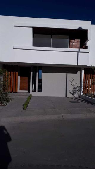 Casa Grande En Renta En Zibata Arven $21,000.00