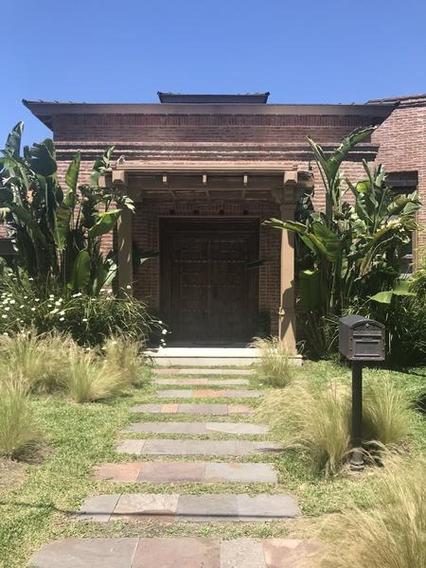 Impecable Casa En Mayling, Sobre Lote Central. Excelente Planta Y Gran Calidad.