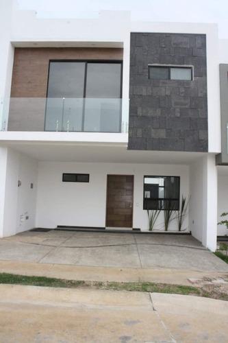 Imagen 1 de 22 de Casa En Venta En Capital Norte, Zapopan