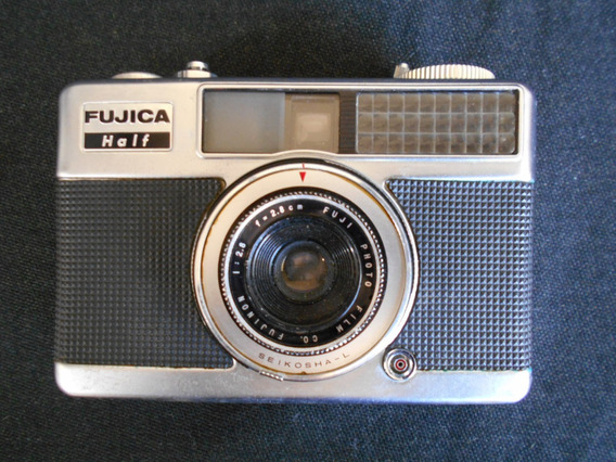 Câmera Antiga - Fujica Half - Analógica