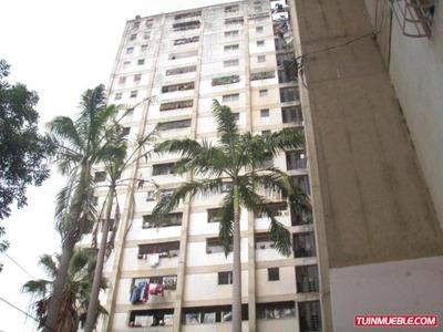Amalia López Vende Apartamentos En Catia Mls # 19-4538