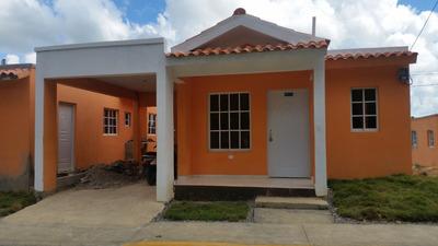 Hermosas Casas En Villa Mella.