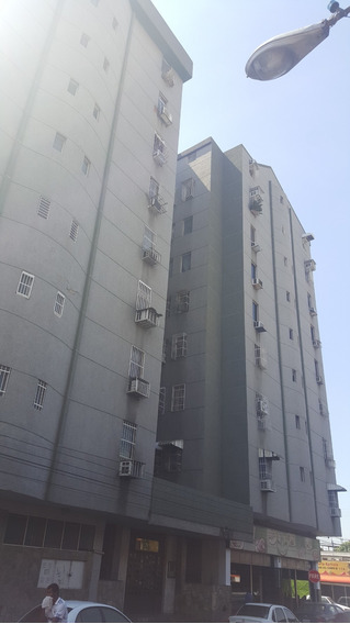 Apartamento En Venta En Avenida Bermudez 04128900222