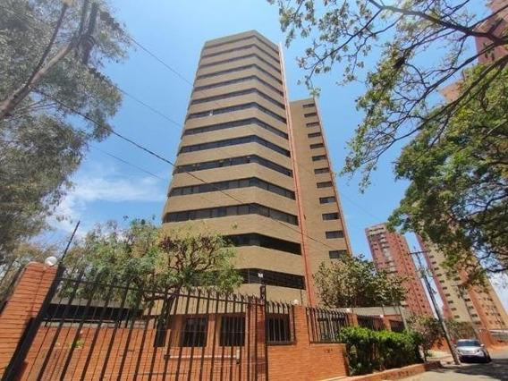 Apartamento En Venta. El Milagro. Mls 20-18054.