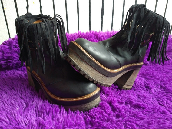 Bota De Cuero Con Fleco Color Negro Talle 36