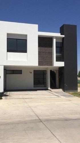 Hermosa Residencia Nueva En Venta En Solares En Guadalajara