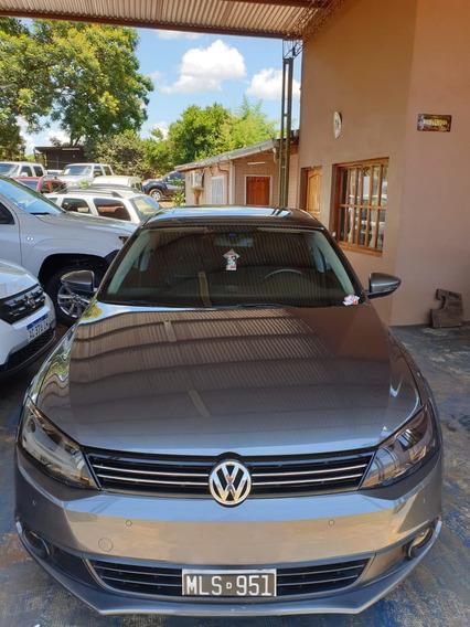 Vendo Volkswagen Vento 2.5 Trip Cuero