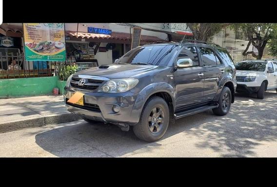 Toyota Fortuner 3.o Automática Diesel 4x4, Mod 2009