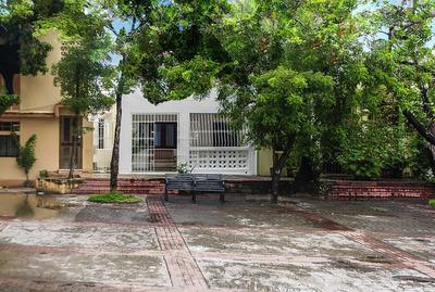 Mejor Inversion! Casa Zona Colonial Renovada Y Amueblada