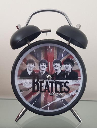 Imagen 1 de 2 de Reloj Despertador Estilo Vintage The Beatles - D Mesa Alarma