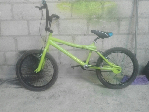Imagen 1 de 3 de Bicicleta De Bmx Aro 20