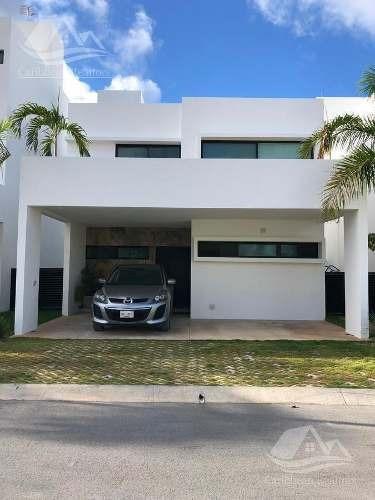 Casa En Renta En Cancún/lantana/smz311