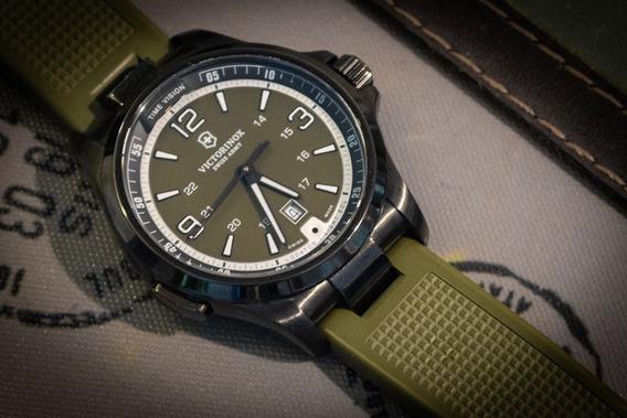 Relógio Victorinox Night Vision Green
