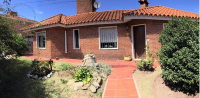 Excelente Casa Con Patio, Parrillero Y Piscina En Solymar