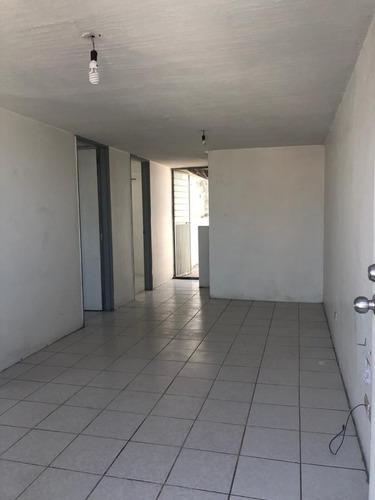 Casa Duplex En La Tercera Sección De Balcones De Santa Maria En Tlaquepaque Jal