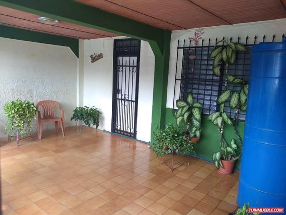 Casas En Venta En La Isabelica. Edo. Carabobo. 04127585644