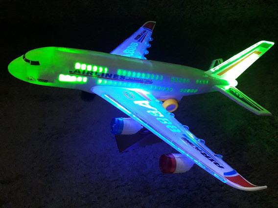 Avião Air Line Brinquedo Grande Com Luzes E Som Movimento