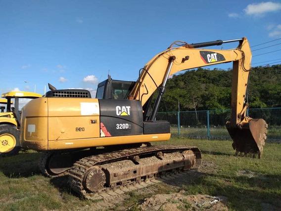 Escavadeira Caterpillar 320d2 2013