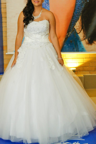 Vendo 2 Vestidos De 15 Anos 01 Branco E 01 Azul