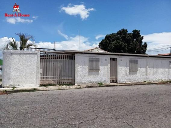 Casa De Esquina 03 Hab/03 Baños Los Samanes Hjl 20-19450