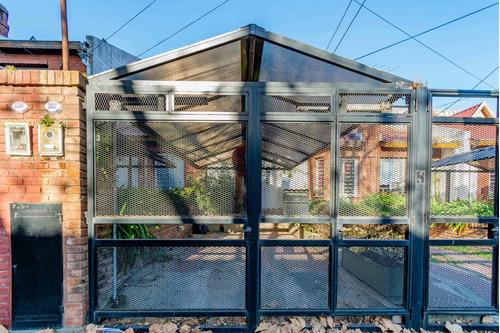 Casa Tipo Duplex En Venta 3 Ambientes Con Jardin