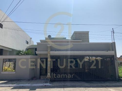 Residencia De 2 Niveles En Renta/venta, Fracc. Tancol 33, Tampico, Tamaulipas.