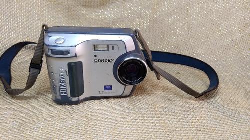 Antiga Câmera Digital Sony Fd Mavica Mvc -fd100 --- Leia