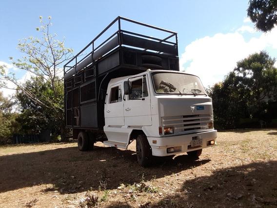 Caminhão Puma 914