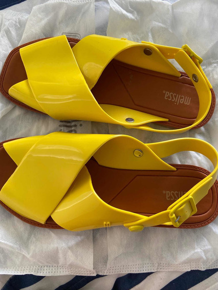 Sandalias Melissa! Amarillas! Impecables Muy Poco Uso!