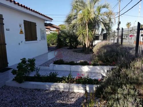 Hermoso Conjunto De Casas En Centro De Maldonado!- Ref: 2591