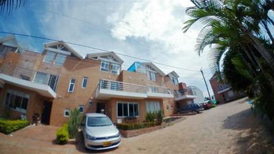 Casa En Venta En La Mesa 19-690