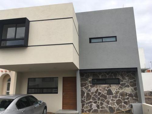 Casa En Venta En El Refugio, Queretaro, Rah-mx-20-181