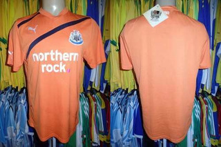 Newcastle United 2011 Camisa Reserva Tamanho M.