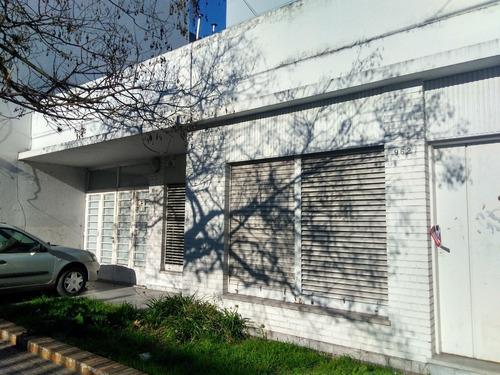 55 E/ 14 Y 15- Casa Americana C/loza -lote Apto Const.