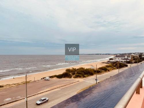 Vendo Penthouse En Playa Mansa- Ref: 541