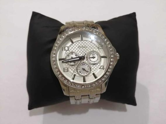 Reloj Guess Multifuncional Extensible Color Plateado, Dama