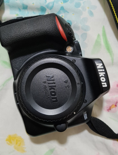 Imagem 1 de 3 de Nikon D3500