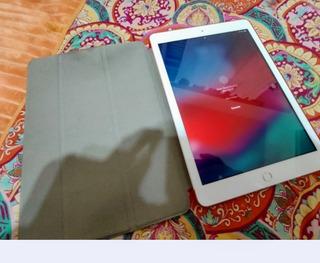 iPad 2018 Modelo A1893. Casi Nueva!!