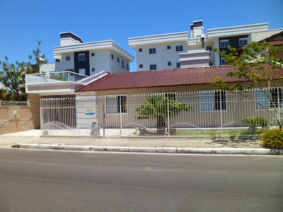 Casa Em Canasvieiras, Florianópolis/sc De 130m² 4 Quartos Para Locação R$ 900,00/dia - Ca104296