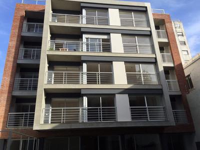 Venta Con Renta! 1 Dormitorio Garaje Y Box. En Pocitos