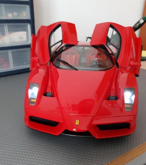 Ferrari Escala 1:8 Increible