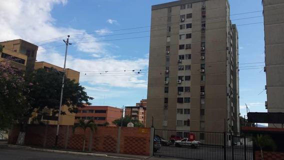 Apartamento En Alquiler Barquisimeto Rah: 20-39 Ml