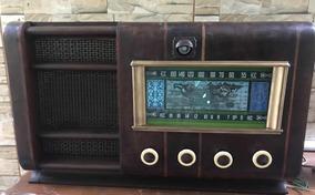 Antigo Rádio Com Olho Magico