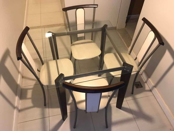 Mesa Quadrada Tampa De Vídro Com 4 Cadeiras Tubulares