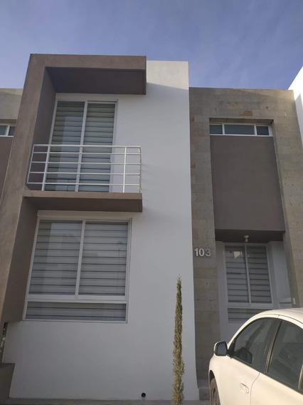 Rento Casa Queretaro Frac. Zakia Altaira Con Jardin