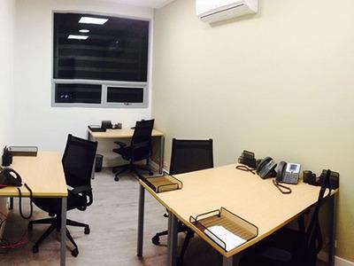 Oficinas Para 3/4 Pers. En Barranquilla, Buro 51